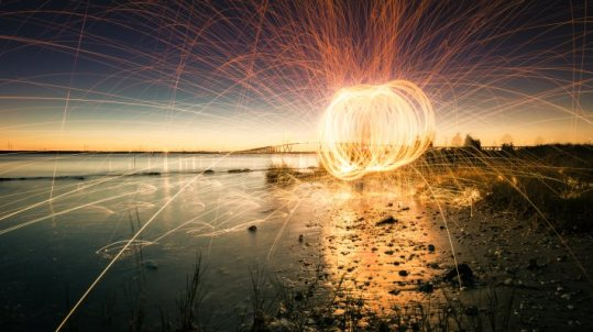 Spinning the light at sunset_image